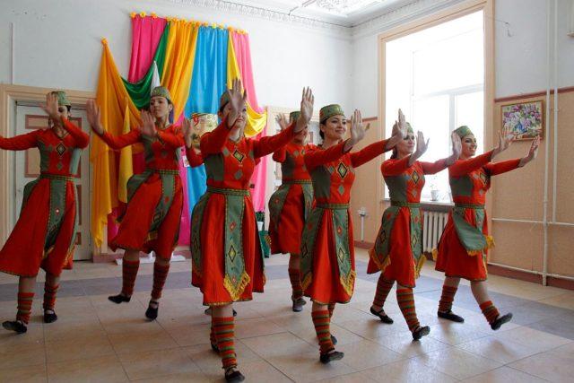 Хореографический ансамбль армянского танца «Нур»