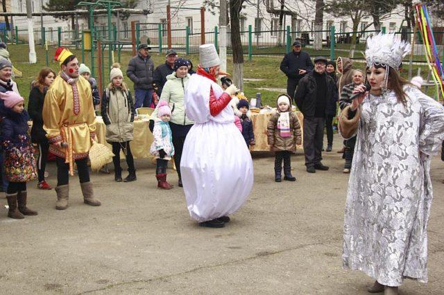 Масленица в Доме культуры поселка Верхнебаканский